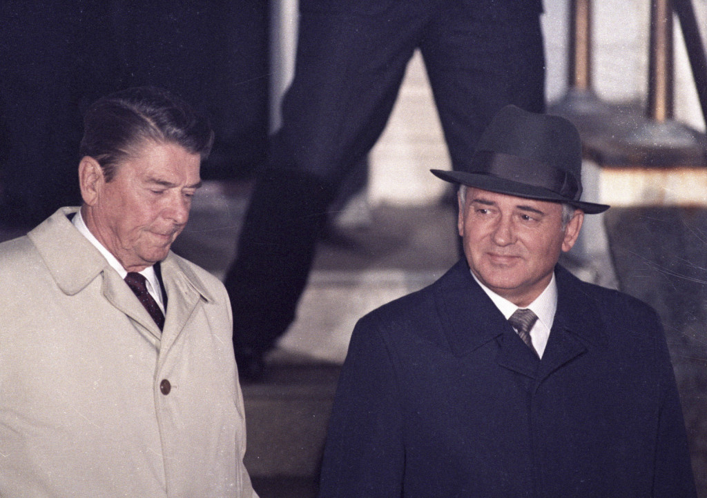 BEST QUALITY AVAILABLE  U.S. President Ronald Reagan (L) and Soviet President Mikhail Gorbachev leave Hofdi House after finishing their two days of talks during a mini-summit in Reykjavik